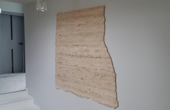 łazienka kamień na ścianie