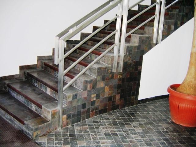schody 136